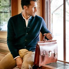 The Dooney & Bourke Men's Collection lets you share your love of Dooney with the man in your life. Briefcase For Men, Leather Briefcase, Modern Gentleman, Best Mens Fashion, Fashion Bags, Fashion Outlet, Men's Fashion, Mens Fall, Fine Men