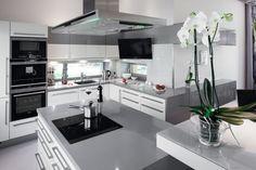 Szare ściany w kuchni: ciekawe aranżacje wnętrz  - zdjęcie numer 13