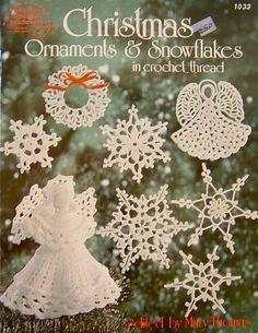 Adornos de Navidad y copos de nieve de ganchillo hilo de rosca