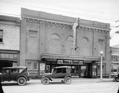 [Kerrisdale Theatre building at 2136 West Avenue] - City of Vancouver Archives Old Photos, Vintage Photos, Vancouver Neighborhoods, Vancouver City, Home History, History Facts, Historical Photos, British Columbia, West Coast