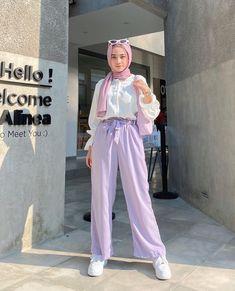 Modern Hijab Fashion, Street Hijab Fashion, Modesty Fashion, Hijab Fashion Inspiration, Ulzzang Fashion, Muslim Fashion, Fashion Outfits, Outfit Look, Facon