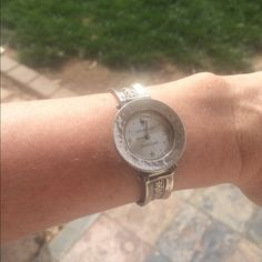 extrapics amazing solid sterling Artisan watch Retailed for over $200, lovely Silpada watch with custom Tiffany chain - this is extra pictures. Superb design and quality.  Please see the original ad for full details.   Silpada Accessories Watches