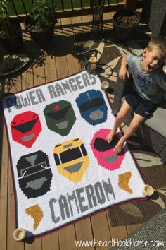 Power Rangers Corner to Corner (C2C) Graphgan (FINISHED!) + Block Patterns http://hearthookhome.com/power-rangers-corner-to-corner-c2c-graphgan/