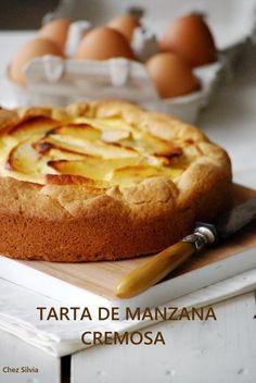 Tarta de manzana cremosa / Chez Silvia Apple Desserts, Apple Recipes, No Bake Desserts, Sweet Recipes, Cake Recipes, Dessert Recipes, Food Cakes, Cupcake Cakes, Sweet Tarts