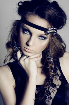 Hippie chic--Love the nude lips, blue eyes, and all dark clothing, etc..