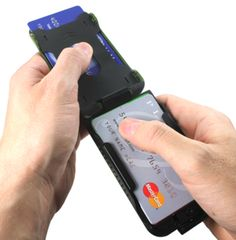 Flipside Wallet Introduces the STRATA, the World's Most Secure Minimalist Wallet November 6, 2012at 5:25 pm Dan Cohen News Fashion, Misc Gear, Tech Clothing, Wallets No comments