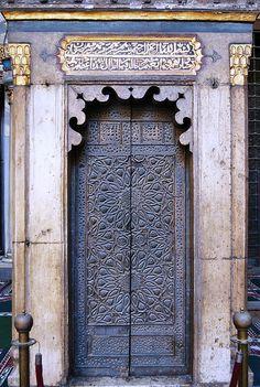 Egypt - Cairo - Sultan Hassan Medressa - Mimbar Door by zishsheikh Grand Entrance, Entrance Doors, Doorway, Knobs And Knockers, Door Knobs, Door Handles, Cool Doors, Unique Doors, Portal