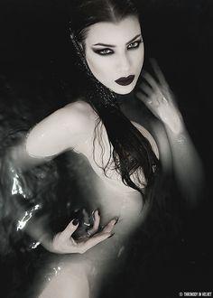 Model: Threnody In Velvet Bath bomb: Bella Muerte Clothing Welcome to Gothic…
