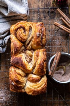 This EASY Swirled Cinnamon Sugar Croissant Loaf is kind of like a croissant, kind of like a cinnamon roll, but most importantly.it's kind of INCREDIBLE! Homemade Apple Butter, Pumpkin Butter, Homemade Breads, Pumpkin Bread, Cheese Pumpkin, Cinnamon Bread, Croissants, No Rise Bread, Half Baked Harvest