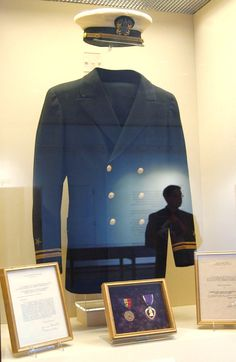 """Lt. John F. Kennedy's US Navy uniform on display, May 19, 2005, during the """"JFK in World War II"""" exhibit at the John F. Kennedy Presidential Library and Museum in Boston(. John Fitzgerald Kennedy (May 29, 1917 – November 22, 1963) After military service as commander of Motor Torpedo Boats PT-109 and PT-59 during World War II in the South Pacific,) ❤♡★★★★★★❤★❤★★★★★♡❤ http://en.wikipedia.org/wiki/John_F._Kennedy"""