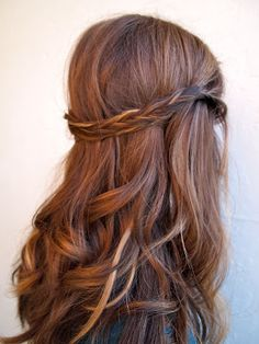 Auburn copper hair with pretty ribbon highlights. Cute color, but I don't think I will ever go red again