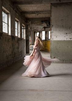 1 Tag in einer leerstehenden Fabrik -staune über die unterschiedlichen Bilder! Ballet Skirt, Skirts, Photography, Fashion, Pictures, Portrait Photography, Dance, Nice Asses, Moda
