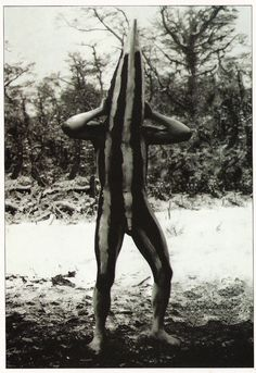 The Lost Tribes Of Tierra Del Fuego: Rare And Haunting Photos Of Selk'nam People Posing With Their Traditional Body-Painting. One of the last such ceremonies was performed in 1920 and recorded by the missionary, Martin Gusinde. Arte Tribal, Tribal Art, Vieux Couples, The Doors Of Perception, Haunting Photos, People Poses, Spiritus, African Masks, Totems