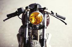 フランスはパリのカスタムビルダー「Clutch Custom Motorcycles」 kawasaki w650をベース車両にしたパリらしいエレガントな仕上がりです。