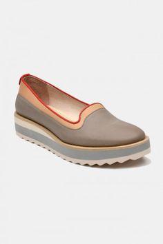 Zapatos para Mujer Modelo Sugar Candy. Los mejores amigos de todas las chicas, siempre listos para completar nuestros outfits sea invierno o sea verano; estamos hablando claro de los zapatos de mujer. Adorna tus piernas y todos tus looks con increíbles zapatos de mujer que reflejen tu estilo y acompañen tu ropa y que incluso sean el centro de atención. Encuentra los modelos más increíbles de zapatos de mujer en Fashoop visitando https://www.fashoop.com/mujer/zapatos-de-mujer.html