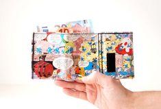DIE SCHLÜMPFE Portemonnaie Comic upcycling Unikat! PauwPauw Geldbörse, Brieftasche, Geldbeutel Schlumpf Comic wallet handmade in Berlin von PauwPauw auf Etsy