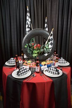A tire for a centerpiece- perfect for a NASCAR party! Race Party, 50th Birthday Party Themes, Race Car Birthday, Male Birthday, 75th Birthday, Biker Party, Motorcycle Party, Car Centerpieces, Rally