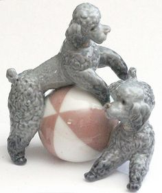 Lladro FIGURINE 2 PLAYING DOGS POODLES WITH BALL FINE PORCELAIN FIGURINES | eBay