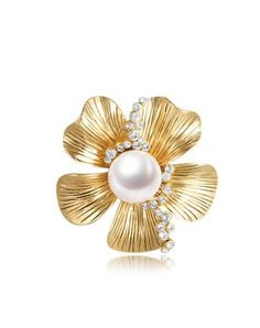 Check the details and price of this Red Gold Plated Starfish Flower-shaped Brooch (Gold, Viennois) and buy it online. VIPme.com offers high-quality Brooches at affordable price.