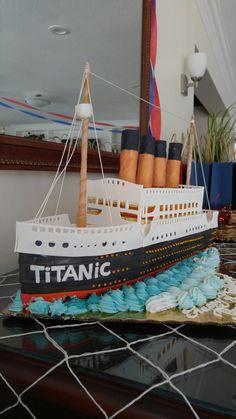 Greatest Titanic cake ever!                                                                                                                                                     Mais