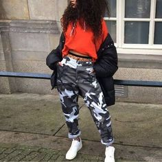 feeling the camo pants Ghetto Outfits, Dope Outfits, Trendy Outfits, Fall Outfits, School Outfits, Ghetto Clothes, School Pants, Dope Clothes, Teen Fashion
