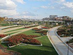 Parque Madrid Río (Wikipedia)