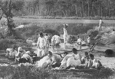 한국의산하, 1890년대 사진(washing the clothes in 1890s, Korea)
