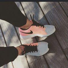 Nike                                                                                                                                                                                 Más
