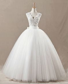 Cheap Newest Vintage Ball Gown V-neck Neckline Floor Length Tulle Lace Wedding Dress 2013