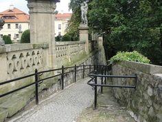 #magiaswiat #ksiaz #podróż #zwiedzanie #polska #blog #europa  #palac #obrazy #oltarze #figury #koscioly #ruiny #zamek Sidewalk, Blog, Europe, Side Walkway, Walkway, Blogging, Walkways, Pavement