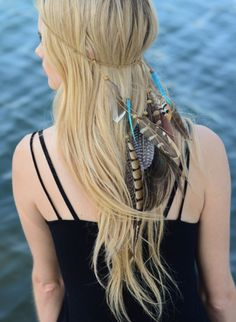 Look at this Leto Collection Turquoise Cascading Feather Headband on today! Bohemian Hairstyles, Feathered Hairstyles, Pretty Hairstyles, Braided Hairstyles, Bohemian Hair Accessories, Fashion Accessories, Boxer Braids, Feather Headband, Feather Hair