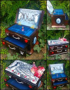 Alice in Wonderland jewellery box 2014