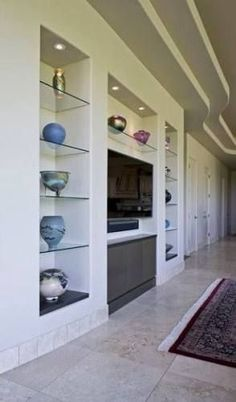 Modern custom home entertainment center drywall lacquer paradise valley designer glass shelves after 1 glassshelvesunit Tv Wall Design, Wall Shelves Design, Glass Shelves, House Design, Home Entertainment Centers, Living Room Shelves, New Living Room, Tv Wanddekor, Plafond Design