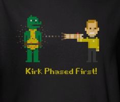 Star Trek t-shirt with Kirk and the Gorn in 8 bit printed on it.
