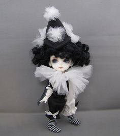 Pierrot for Lati Yellow by DevoutDolls.   I'm so excited I found my Lati, she'd look so cute in this!