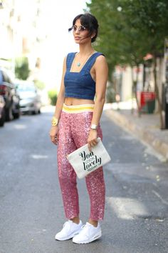 Nur Bilen Yavuzer street style You Look, Casual Chic, My Outfit, Sequins, Women's Fashion, Street Style, My Style, How To Wear, Stuff To Buy