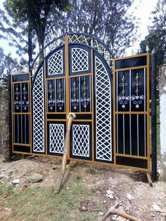 Steel Door Design Architecture Art Deco New Ideas House Main Gates Design, Front Gate Design, Door Gate Design, House Front Design, Iron Fence Gate, Wrought Iron Gates, Stainless Steel Gate, Metal Garden Gates, Steel Gate Design