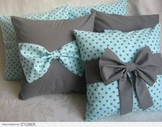 jakie to slodkie. Bow Pillows, Cute Pillows, Sewing Pillows, Kids Pillows, Cushion Cover Designs, Cushion Covers, Pillow Covers, Pillow Crafts, Bedroom Crafts