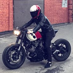 """""""Mi piace"""": 700, commenti: 3 - @motoculturalist su Instagram: """"From @caferacergram ⛽️ Fueled by @rebelsocial 