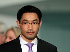 Rösler wechselt zum Weltwirtschaftsforum nach Genf - http://k.ht/3Vb