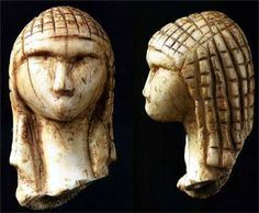 The Venus of Brassempouy or La Dame de Brassempouy, a fragmentary ivory figurine from the Upper Palaeolithic, Gravettian industry, discovered in the Grotte du Pape at Brassempouy, France. Religions Du Monde, Art Pariétal, Paleolithic Art, Paleolithic Period, Ancient Goddesses, Art Antique, Mother Goddess, Prehistory, Ancient Artifacts