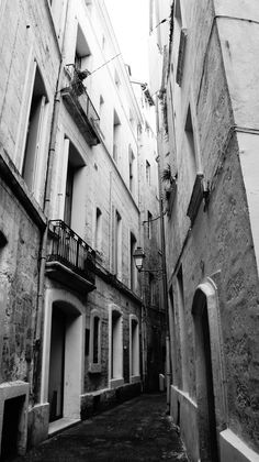street of Montpellier  //  shot with a Nex5   (contact me for credits)