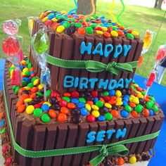 Amazing kit kat cake!! With homemade chocolate buttercream frosting... My son loves his cake!! But really what kid wouldn't :)