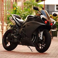Yamaha matte black and red headlights. Custom Sport Bikes, Custom Motorcycles, Cars And Motorcycles, Yamaha Bikes, Yamaha Yzf R1, Moto Bike, Motorcycle Bike, Ride Out, Sportbikes