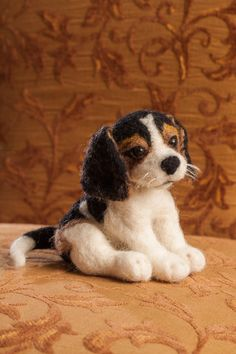 Hey, I found this really awesome Etsy listing at http://www.etsy.com/listing/126872269/needle-felted-pet-portrait-beagle-dog