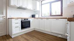 Mobila bucatarie in forma de U - Mobila la comanda MOBIERA Iasi Kitchen Cabinets, New Homes, Furniture, Diy, Home Decor, Ideas, Shapes, Kitchen Maid Cabinets, Do It Yourself