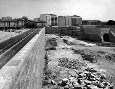Pamplona, Railroad Tracks, Sidewalk, Headshot Photography, Santo Domingo, Antique Photos, Castles, Memoirs, Old Photography