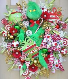 My dream wreath! I love the Grinch...will a crafty friend please make this for me? :)