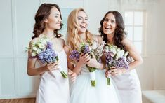 Weddings were a superstitious occasion in traditional Ireland. From horseshoes to blue dresses, what were the most well-known Irish wedding traditions and customs that are not as widely upheld today. Bridal Show, Wedding Show, Wedding Girl, Dream Wedding, Wedding Beauty, Irish Wedding Traditions, Old Fashioned Wedding, Indoor Wedding, Stock Foto
