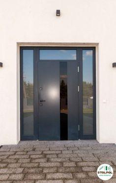 """Drzwi zewnętrzne drewniane, na kolor kryjący RAL 7016 (antracyt), zasuwnica 5-punktowa, specjalne szklenie w celu uzyskania efektu """"dymionego szkła"""" Windows, Mirror, Furniture, Home Decor, Decoration Home, Room Decor, Mirrors, Home Furnishings, Home Interior Design"""